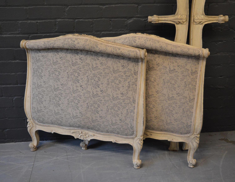 Louis XV single Lit Bateau day bed