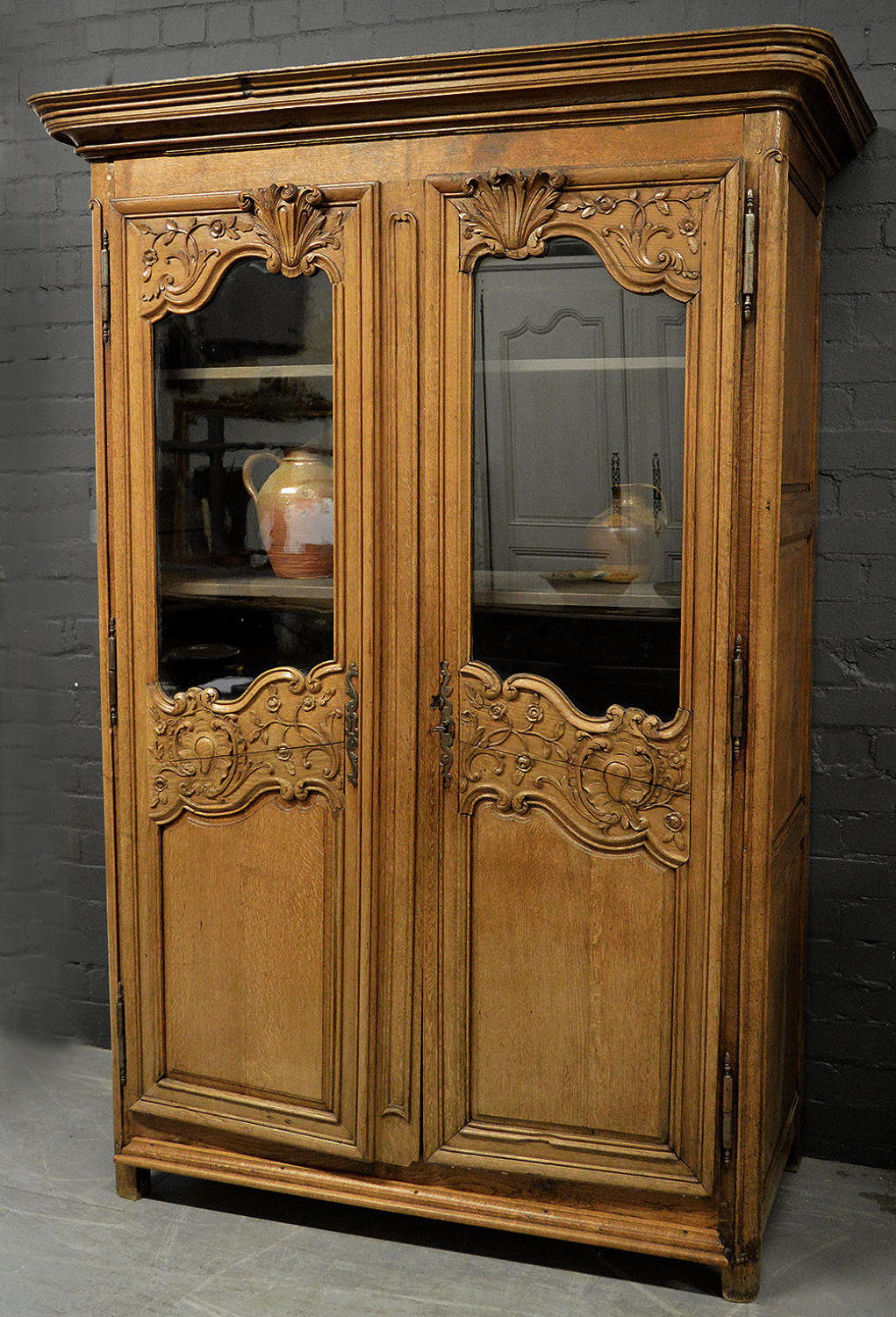 18th Century c1720-30 French Oak Louis XV Norman glazed armoire
