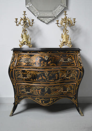 Venetian chinoiserie lacquer black Japanned commode chest of drawers