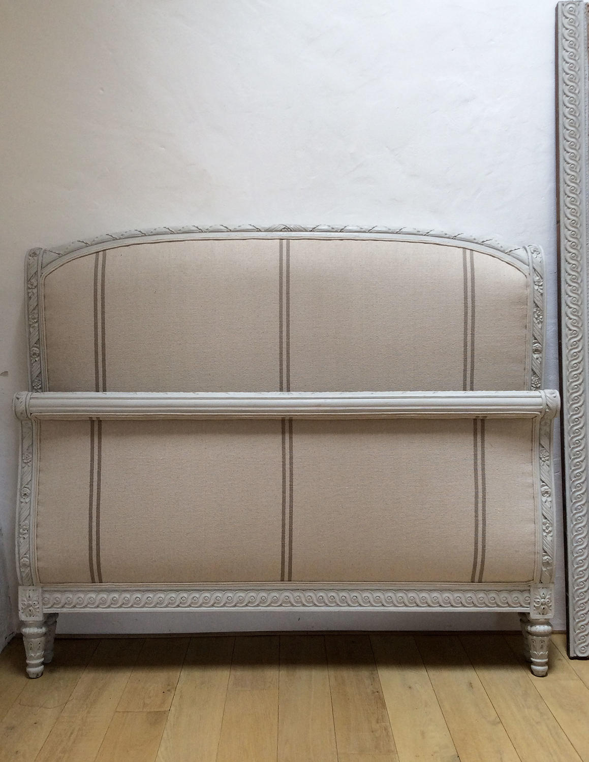 19th Century King size Upholstered Louis XVI Lit Bateau