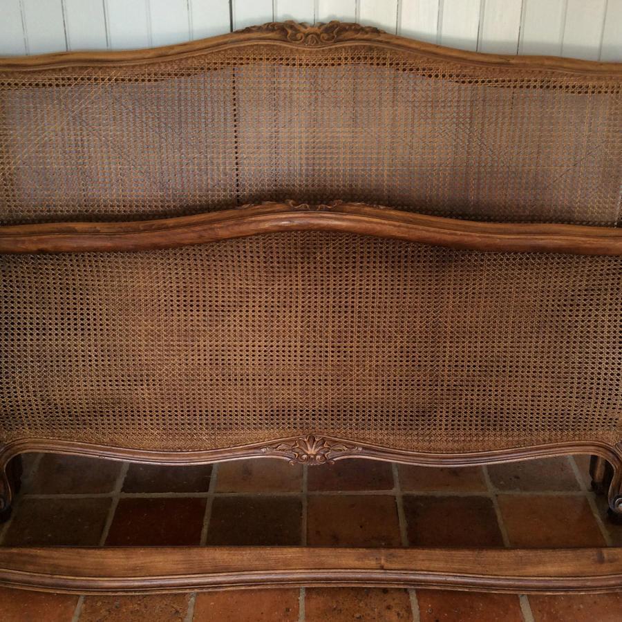 King size cane Louis XV style lit bateau bedstead