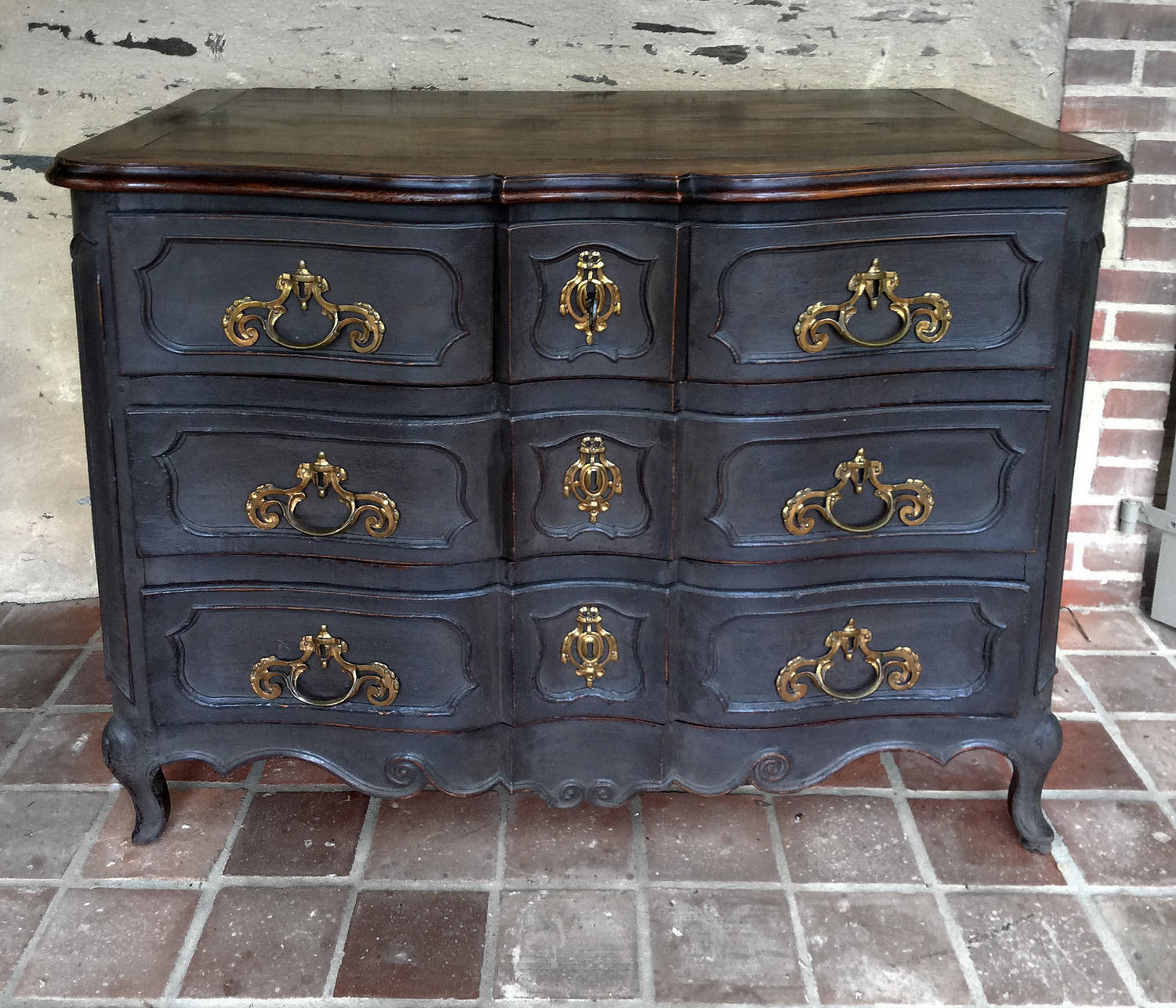 18th Century Louis XV Commode Arbalète