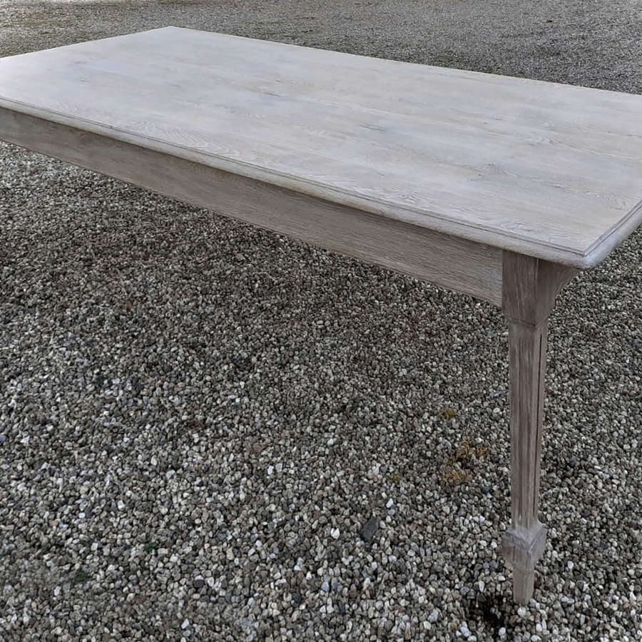 Large late 19th Century Bleached Oak Table