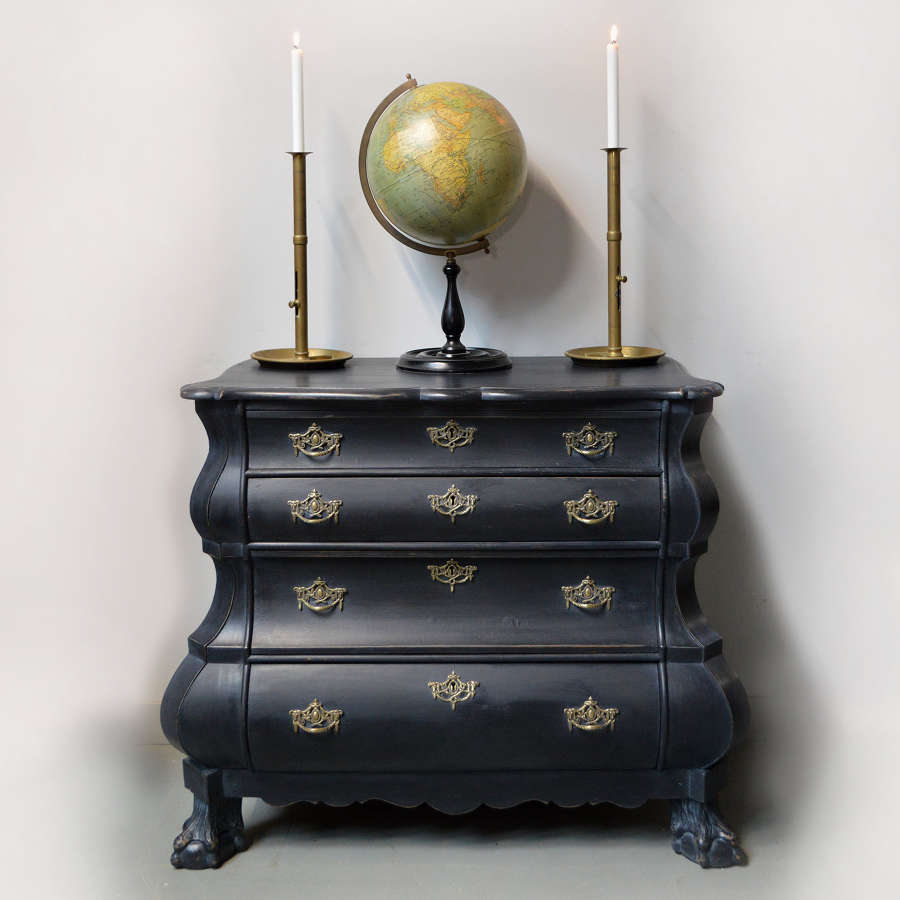 Smart Dutch Bombe commode